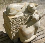 Katzen aus Sandstein